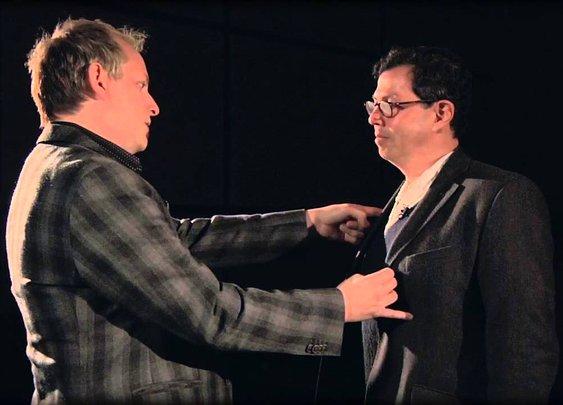 Apollo Robbins, The Master Pickpocket: Tricks of the Trade - YouTube