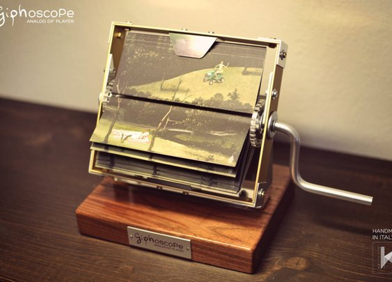 giphoscope: Crank Up That GIF