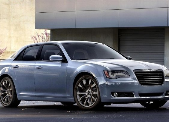 2014 Chrysler 300 S Unveils