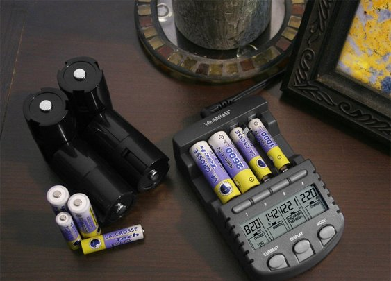 La Crosse Technology Alpha Power Battery Charger, BC1000, Review | Audithat