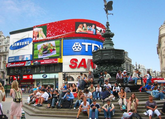 Things to do in London at Piccadilly Circus | London Travel Tips World