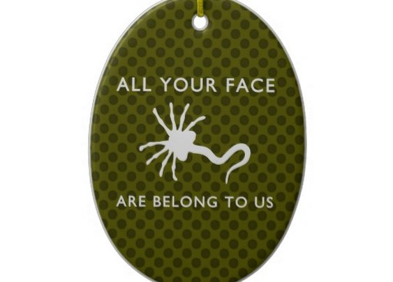 Facehugger - All Your Face Are Belong to Us Christmas Tree Ornament