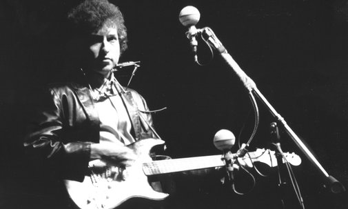 Bob Dylan's controversial electric guitar sold for almost $1m
