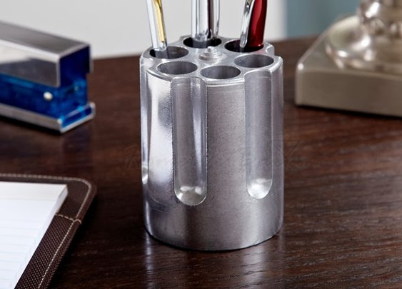 SIX SHOOTER PEN HOLDER