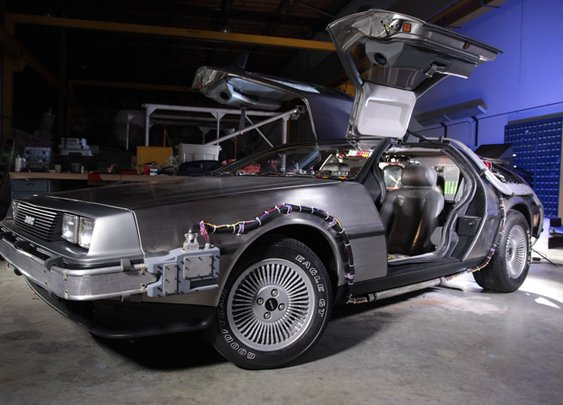 News | Restored Back to the Future Hero DeLorean Time Machine now on display at Universal Studios : Back to the Future - BTTF.com