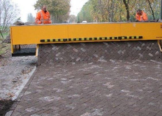 brick-road-laying Tiger Stone machine