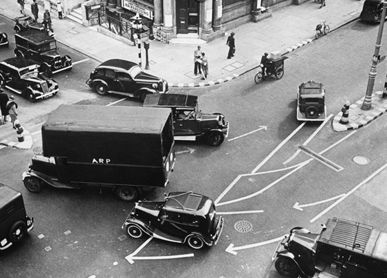 How London Was Redesigned To Survive WWII Blackouts