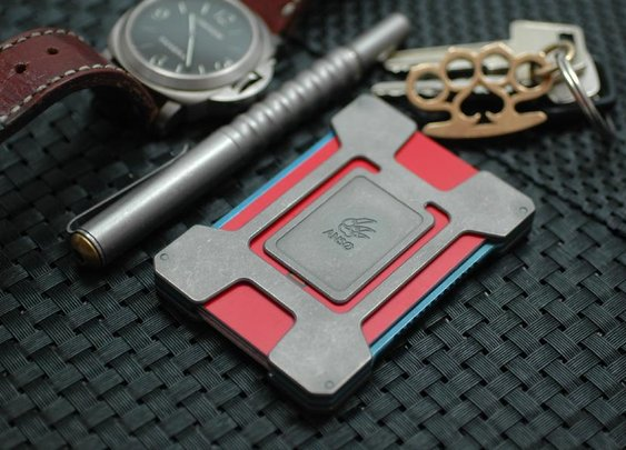 Anso Card Holder | The Coolector