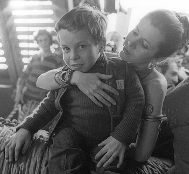 Chewbacca Actor Peter Mayhew Unloads Stockpile of Star Wars Set Photos