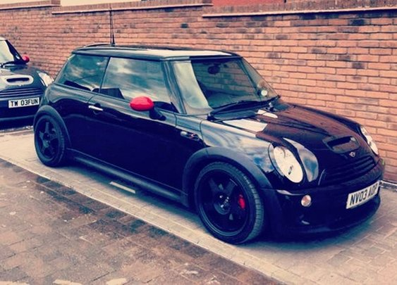 R53 black, red mirrors, 5 spoke wheels