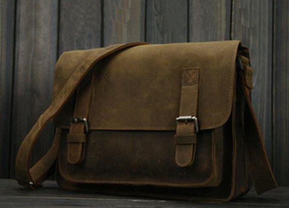 Leather Family — Gorgeous Vintage Genuine Crazy Horse Leather Satchel Messenger Bag/Handbag/Shoulder Bag Brown Color