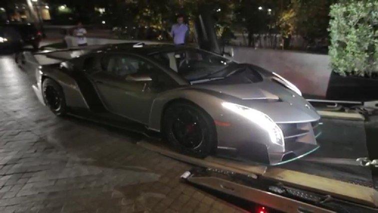LiveLeak.com - The Delivery: Lamborghini Veneno