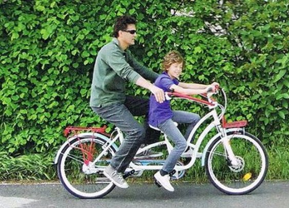 Hugbike lets parents squeeze while they steer