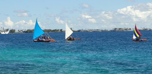 Man washes up in Marshall Islands 'after 16 months adrift' - Yahoo News
