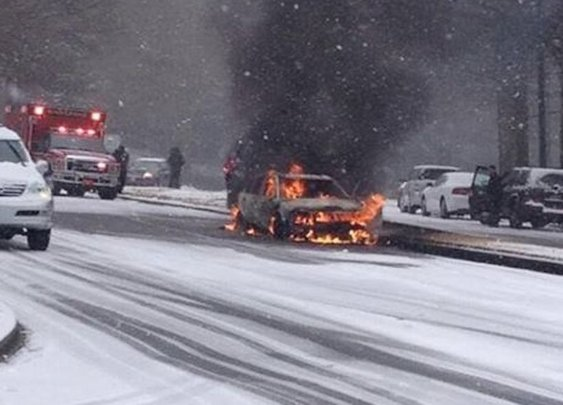 These are the most insane pictures of Southerners trying to drive in the snow | Roadtrippers