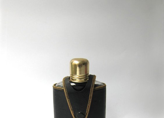 Vintage retro travelling whisky hip flask with leather by evaelena