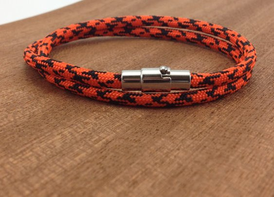Paracord Bracelet with Stainless Steel Magnetic by DesignedTurning