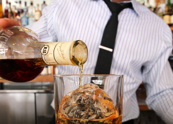 21 Best Whiskey Bars In America - Thrillist Nation