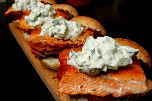 salmon sliders - rotio/food