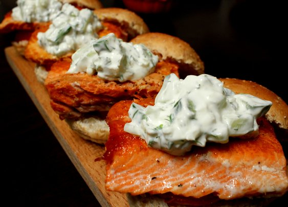 salmon sliders - rotio/food
