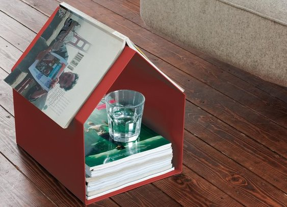 MAGAZIN House Shaped Magazine Stand