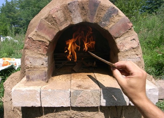 Build Your Own $20 Outdoor Cob Oven: weekend projects — Homegrown & Healthy