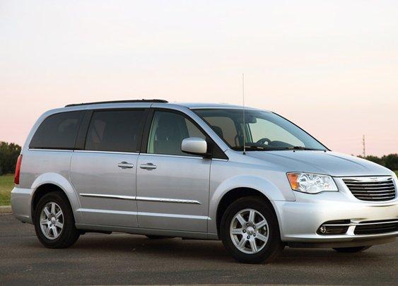 Next Chrysler minivan to get optional AWD, nine-speed auto - Autoblog