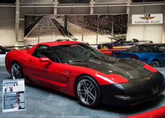 Florida couple drives 13 hours to see their Corvette in museum sinkhole - Autoblog