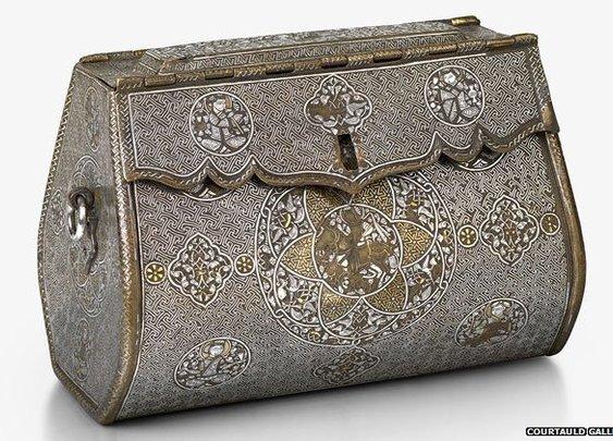 BBC News - The world's oldest handbag?