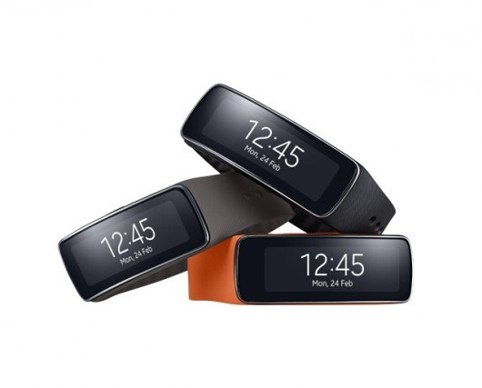 Samsung's Gear Fit health-tracking band delivers notifications, features a curved display