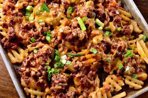 Loaded Sriracha BBQ Sloppy Joe Fries