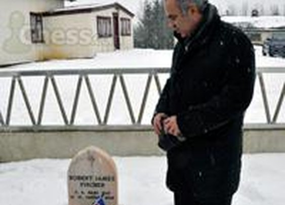 Historic Moment For Chess: Kasparov at Fischer's Grave - Chess.com