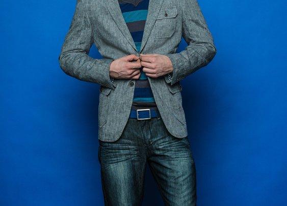 Veston Lewis + Chandail col en V + Chemise sport de ville + Jeans lustré