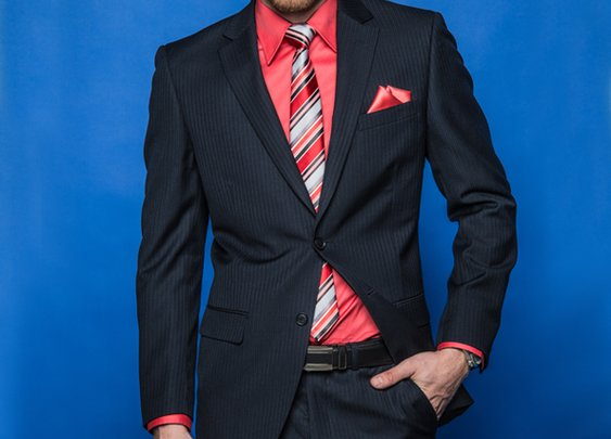 Veston marine à rayures + Pantalon assorti + Chemise habillée extensible + Cravate à rayures