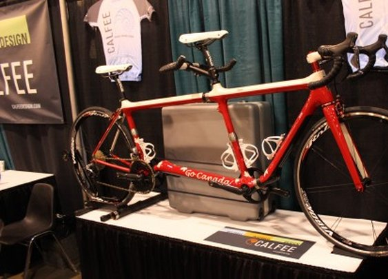 Tandem bikes shorten to a single when there's one rider