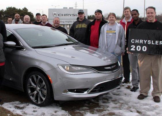 2015 Chrysler 200 production gets underway [w/videos] - Autoblog