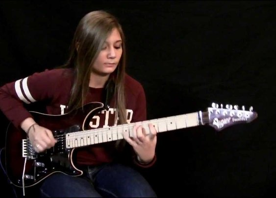 14-year old covers Yngwie Malmsteen's Arpeggios From Hell