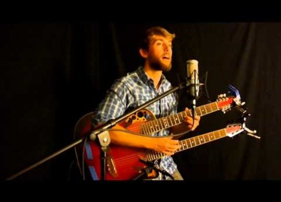 One Man + Two Guitar Necks = Best Coldplay Cover Ever