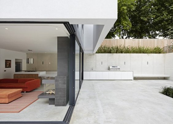 Cool, modern and flood-proof: New house on the Thames for a family of 10