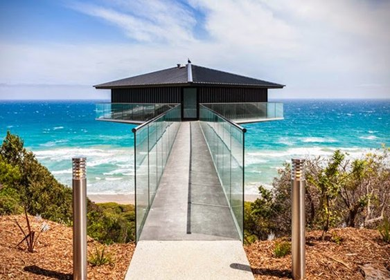 THE POLE HOUSE IN FAIRHAVEN, AUSTRALIA