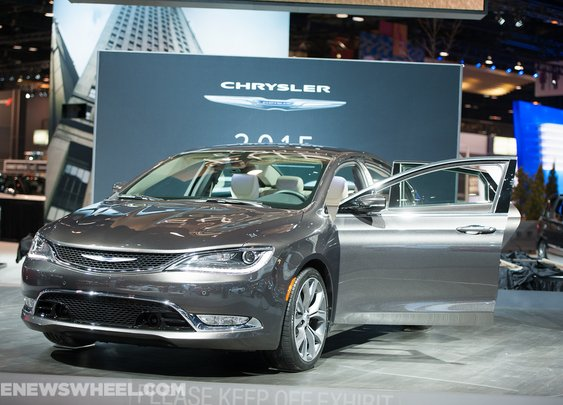 2015 Chrysler 200 Offers Better Mileage and Premium Experience
