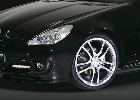 Deep Dish Wheels Raise the Bling Factor of High Performance Vehicles