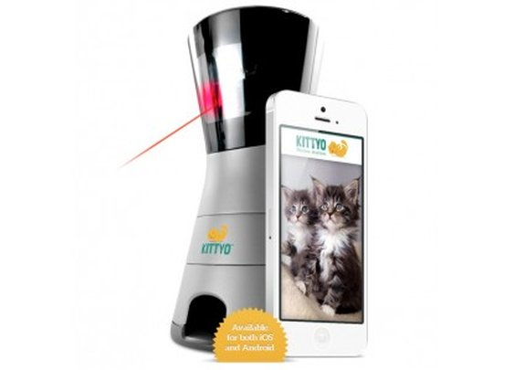 Kittyo lets owners play with their cat by remote control