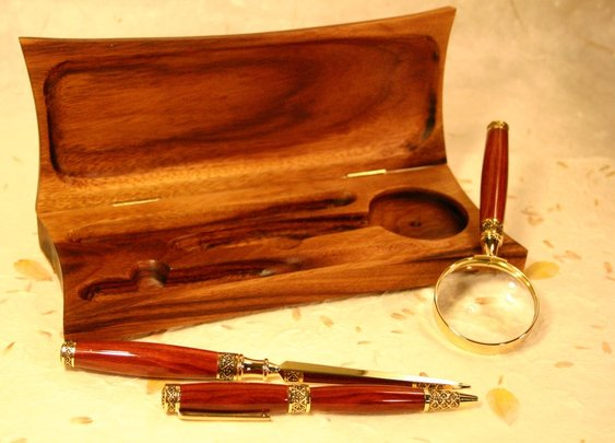 Wood pen desk set includes pen, glass and letter o by Hope & Grace Pens