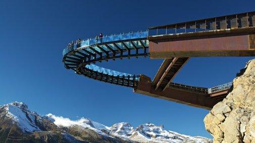 Glass-bottom Glacier Skywalk provides new views of Columbia Icefield
