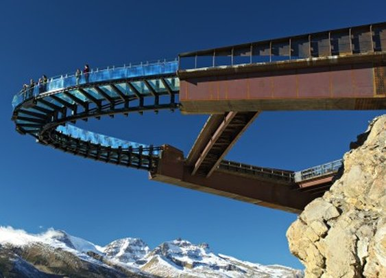 Glass-bottom Glacier Skywalk provides new views of Columbia Icefield