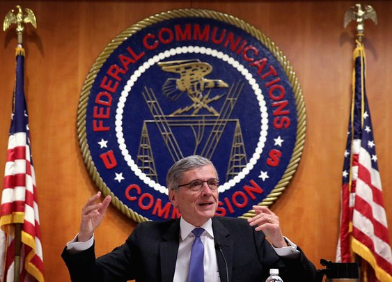 FCC votes to advance new Internet rules | Al Jazeera America