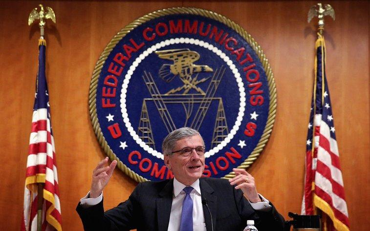 FCC votes to advance new Internet rules   Al Jazeera America