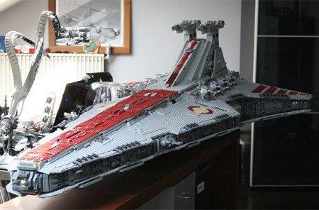 Massive 43,000-Piece LEGO Star Destroyer