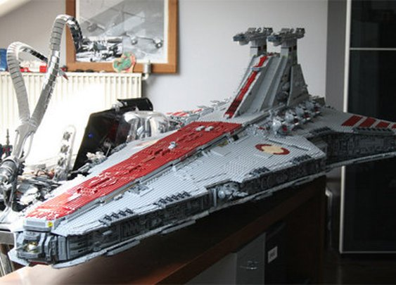 Massive 43,000-Piece LEGO Star Destroyer